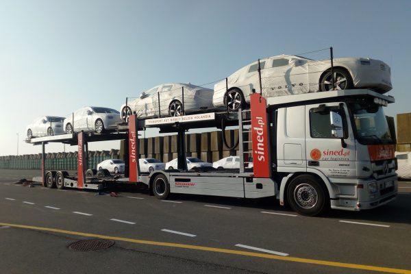 transport samochodów lawetą z Niemiec do Polski